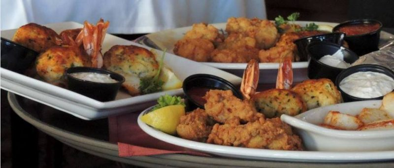 14 awesome seafood spots around virginia beach scoutology for Lynnhaven fish house menu